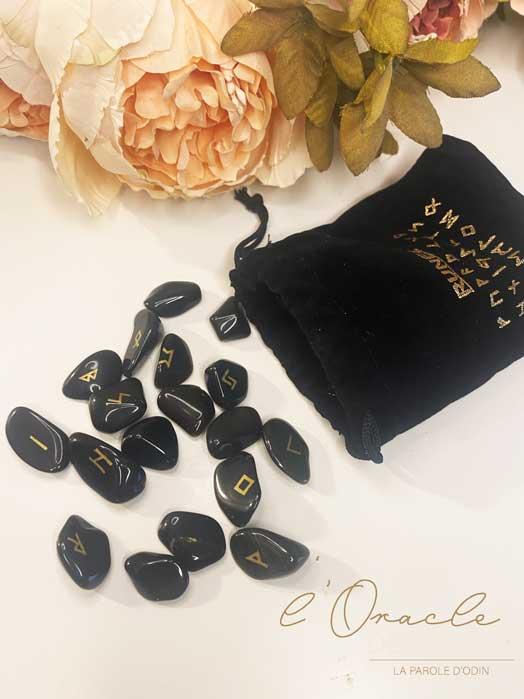 25 Runes En Pierres Noires – Obsidienne